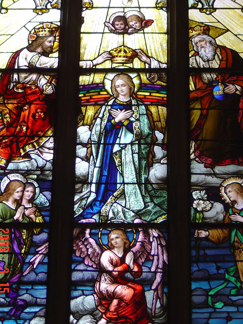 Coronation of the Blessed Virgin Mary_stained glass2