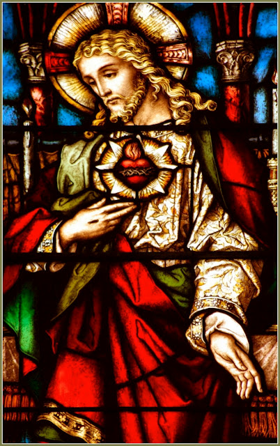 Sacred Heart_stained glass2