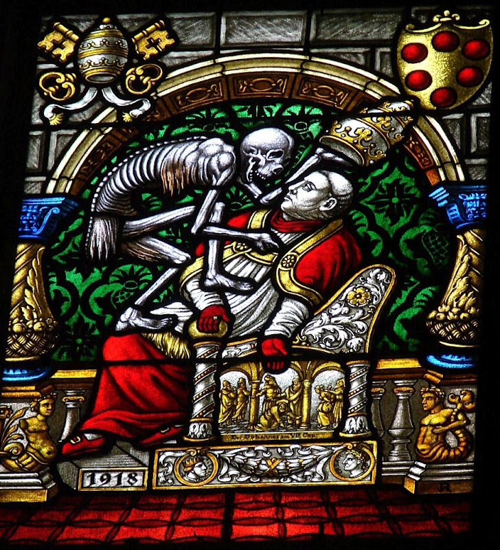 Death_Dance of_stained glass_detail2