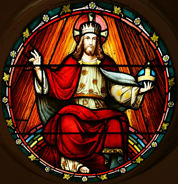 Christ the King in Glory_stained glass
