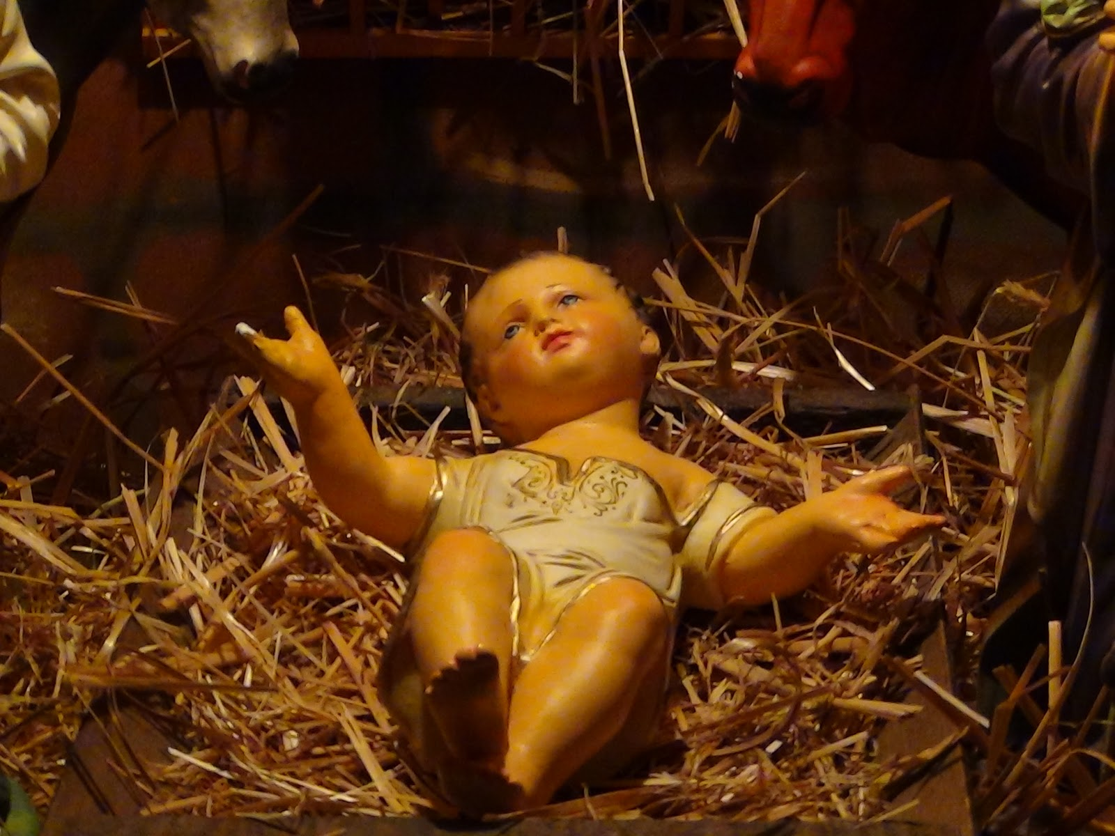 tiny baby jesus and a cross tumble the roman empire traditional